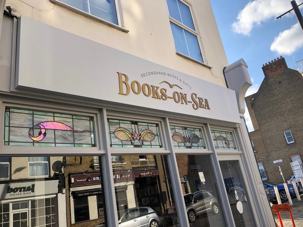 books-on-sea sign